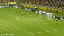Enlace a GIF: El penalti fallado por Bonucci, gol de Navas y ¡España a la final!