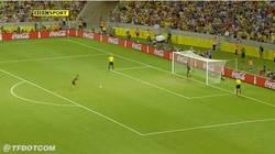 Enlace a GIF: El penalti decisivo de Jesús Navas que nos mete en la final