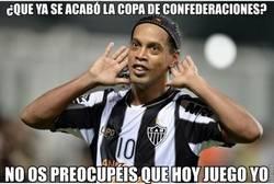 Enlace a Ronaldinho calmando al mundo