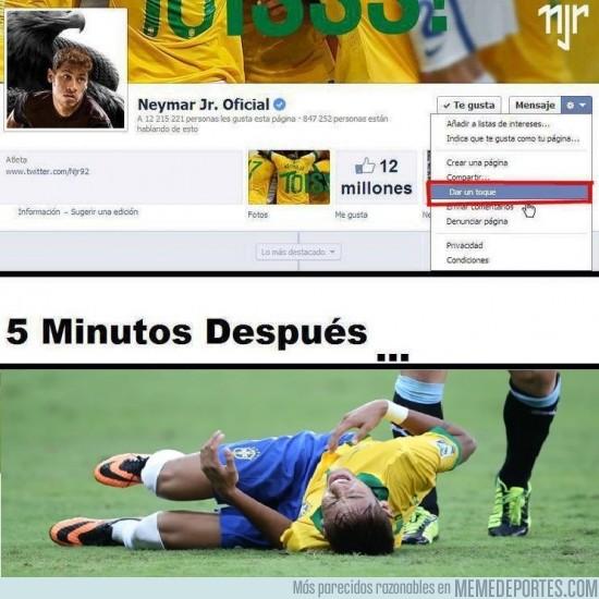 160478 - Neymar finge hasta en el facebook