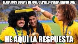 Enlace a Teníamos dudas de qué cepillo usaba David Luiz