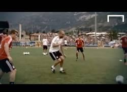 Enlace a VÍDEO: Pep enseña el tiki-taka al Bayern de Munich jugando con ellos