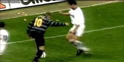 Enlace a GIF: Simplemente Ronaldo Nazario