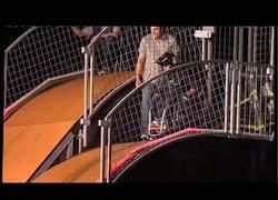 Enlace a VÍDEO: ¡Increíble BackFlip en silla de ruedas! Ejemplo de superación