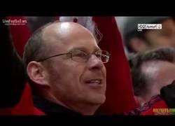 Enlace a VÍDEO: 95mil personas cantando el himno del Liverpool