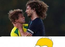 Enlace a Coloccini y Homer Simpson, menos en el pelo, mucho en común