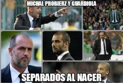 Enlace a Michal Probierz, el entrenador del Lechia, tiene un pequeño parecido con...