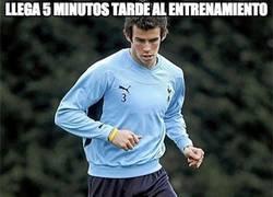 Enlace a Bale llega 5 minutos tarde al entrenamiento