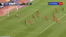 Enlace a GIF: Ya tenemos el primer gol de Neymar con el Barça