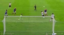 Enlace a GIF: Así fue el primer gol de Luis Alberto con el Liverpool, jugada Española
