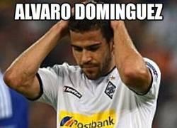 Enlace a Alvaro Domínguez, el regala-penaltis