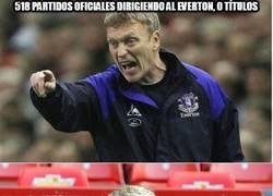 Enlace a 518 partidos oficiales dirigiendo al Everton, 0 títulos
