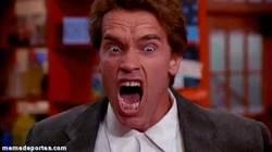 Enlace a GIF: Yo al enterarme que Xabi Alonso estará otros 2-3 meses de baja