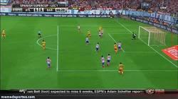 Enlace a GIF: El primer gol de Neymar con el Barça que iguala el partido