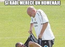 Enlace a Si Raúl merece un homenaje