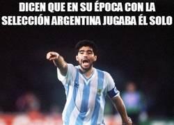 Enlace a Dicen que en su época con la selección argentina jugaba él solo
