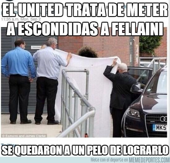 182840 - El United trata de meter a escondidas a Fellaini