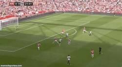 Enlace a GIF: Espectacular movimiento de Mertesacker frente al Tottenham para robar el balón