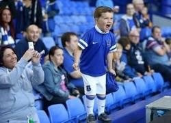 Enlace a El pequeño Rooney del Everton