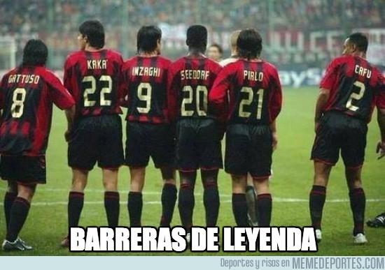 184662 - Hay barreras de futbolistas y después están las barreras de leyenda