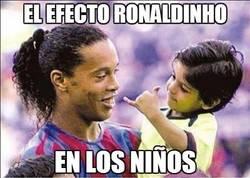 Enlace a Efecto Ronaldinho en los niños