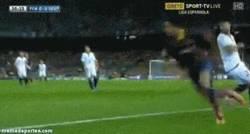 Enlace a GIF: Espectacular regate de Neymar. No dejes de hacer cosas así