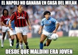 Enlace a El Napoli no ganaba en casa del Milan