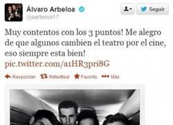 Enlace a El último en unirse a la fiesta, @aarbeloa17 también contesta a Piqué