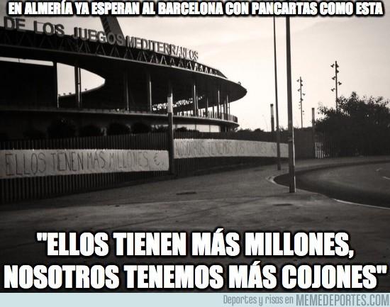 190850 - En Almería ya esperan al Barça con pancartas como ésta