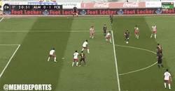 Enlace a GIF: Golazo de Messi ante el Almería, ¡golazo!