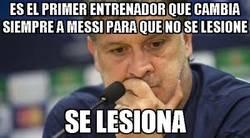 Enlace a Es el primer entrenador que cambia siempre a Messi para que no se lesione