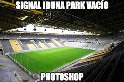 Enlace a Signal Iduna Park vacío