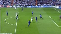 Enlace a GIF: Él nunca falla, Cristiano Ronaldo de cabeza marca el primero