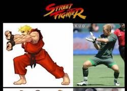 Enlace a Si el fútbol fuera Street Fighter
