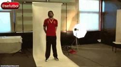 Enlace a GIF: Michu se pone la roja