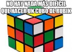 Enlace a No hay nada más difícil que hacer un cubo de rubik