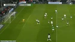 Enlace a GIF: Gran gol de Schurrle contra Irlanda