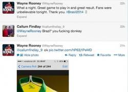 Enlace a Rooney repartiendo un buen zasca en twitter