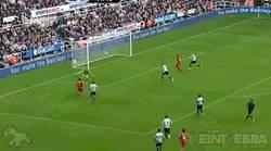 Enlace a GIF: Sturridge continuando con su racha goleadora en el Liverpool