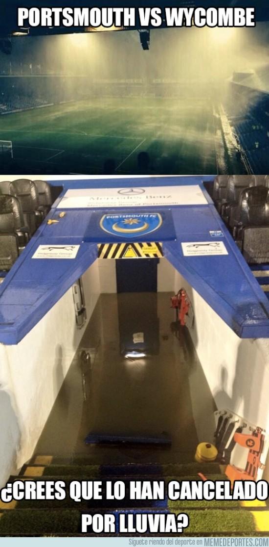 198325 - La lluvia torrencial que acaba de caer en el Portsmouth vs Wycombe