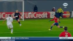 Enlace a GIF: ¡La jornada de Champions ya ha empezado! Gran vaselina de Zoran Tosic al City