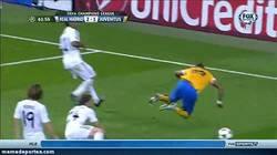 Enlace a GIF de la noche: FAIL de Arturo Vidal, el más puro estilo Alexis