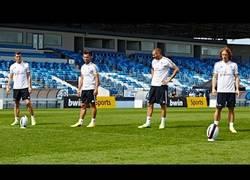 Enlace a VÍDEO: Jugadores del Real Madrid mostrando su destreza con distintos tipos de balón
