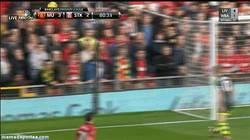 Enlace a GIF: Sí, lo estás viendo bien, Gol de Chicharito para dar la victoria al Manchester United