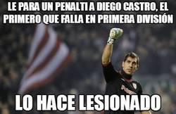 Enlace a Le para un penalti a Diego castro, el primero que falla en primera división