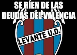 Enlace a Se ríen de las deudas del Valencia