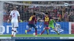 Enlace a GIF: ¿Marcará este gol el resurgir de Messi?