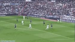 Enlace a GIF: La BBC funciona en el Madrid