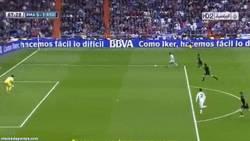 Enlace a GIF: El escandaloso fallo de Morata contra la Real