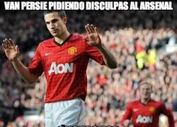 Enlace a Van Persie pidiendole disculpas al Arsenal